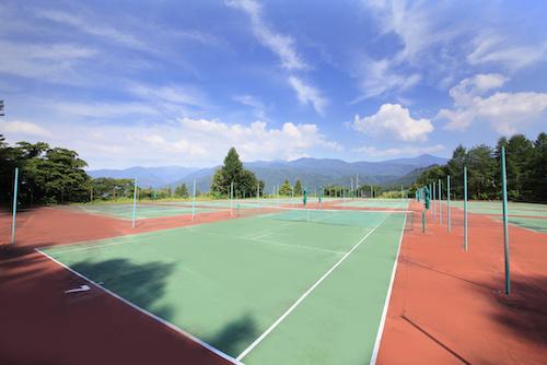 ラークテニスコート1