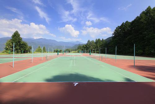 ラークテニスコート2